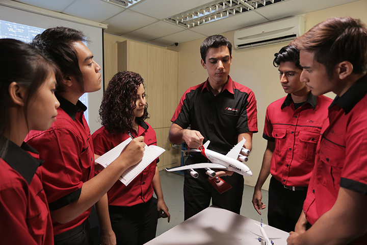 aircraft maintenance engineering college